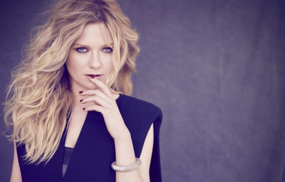 kirsten-dunst-l-oreal-professionnel-2014-campaign_4_588x375_acf_cropped-1